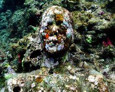 Grace Reef - Underwater Sculpture by Jason deCaires Taylor Jason Decaires Taylor, Christine Mcconnell, Underwater Sculpture, Camberwell College Of Arts, Underwater World, Magazine Design, Amazing Art, Awesome, Sculptures