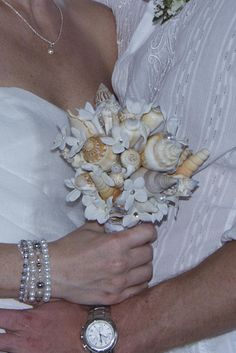 DIY Vintage Chic: Wedding DIY Crafts - Sea Shell Bouquet