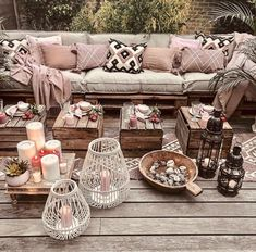 Bohemian Decor Ideas for Outdoor Patio Space Small Balcony Decor, Small Patio, Decor Scandinavian, Affordable Rugs, Living Room Red, Living Spaces, Interior Rugs, Outdoor Furniture Sets, Outdoor Decor