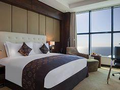Go to sleep with a view on the Red Sea at Sofitel Jeddah Corniche - Saudi Arabia