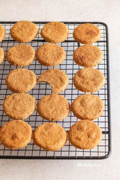 Bolachas de canela e maçã: deliciosas e saudáveis - Made by Choices Baby Food Recipes, Sweet Recipes, Healthy Snacks, Healthy Recipes, Banoffee Pie, Cookie Time, Yummy Cookies, Food Truck, Coco