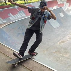 Instagram #skateboarding photo by @severedlegproductions - Met @jay_fyc today this guy gets nasty with his lip trick variations!!!  Wearing a SLP Trucker SnapBack #awesome #style! #ripper #sk8 #skateboarding #skateboard #nyc #bronx #skater #skateboarder #killingit #owlshead #skatepark #broooklyn #nyc #skateordie #skateforfun #skateanddestroy #skatelife #skateeverydamnday #skatecrunch #skatephotofeed #shralpin #thrasher #independenttrucks #lifer #hardcore #keepshredding…