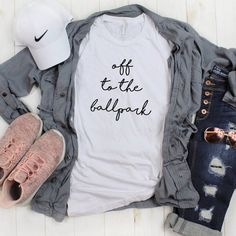 Advice for Moms info are offered on our website. Take a look and you wont be sorry you did. Softball Mom Shirts, Mom Of Boys Shirt, Baseball Tees, Baseball Outfits, Baseball Season, Baseball Tshirt Ideas, Softball Cheers, Softball Crafts, Softball Bows