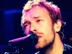 Animated gif uploaded by Find images and videos about coldplay and Chris Martin on We Heart It - the app to get lost in what you love. Great Bands, Cool Bands, Phil Harvey, Jonny Buckland, British Rock, Chris Martin, Britpop, Coldplay, Jukebox