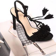 Jakby co tak wyglądają nasze buciki, podobają się Wam ?😍 bo nam mega 😘 #VICES #vicesshoes #vicesgirl #inlove #instadaily #instalike #bloggers #summer #laceup #suede #allon #wanted #oczekiwane