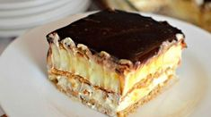 Recipes easy baking desserts graham crackers new Ideas Food Cakes, Graham Crackers, Easy No Bake Desserts, Dessert Recipes, Crab Stuffed Avocado, Eclair Cake Recipes, Biscuits Graham, Enjoy Your Meal, Salad Dishes