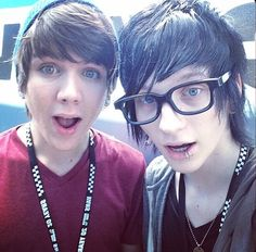 Johnnie Guilbert and Damon Fizzy. my two favorite yotubers together. *explodes*