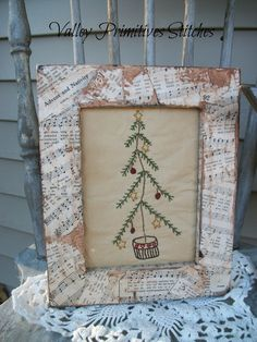 Cute frame. Would be super easy to upcycle an old frame and decoupage some sheet music onto it.