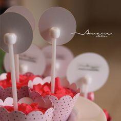 Pode olhar atrás! Nosso acabamento é lindo! :-D  *  Design feito com amor! #amareatelier | Lu Wonderland | #party #birthday #design #scrap #krafts #diy #alice #wonderland | facebook.com/amareatelier