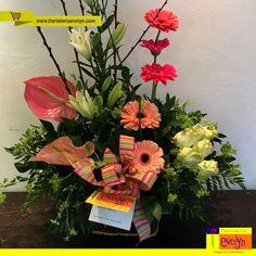 ¡Celebra cada día con los mejores detalles al estilo #FloristeriaEvelyn! Solicita tu pedido a domicilio en el 2263-2384 o haz tu compra en línea en www.floristeriaevelyn.com.