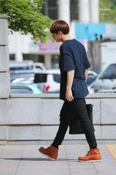 Jungkook Maknae Of Bts, Jungkook Oppa, Bts Bangtan Boy, Seokjin, Namjoon, Bts Airport, Airport Style, Airport Fashion, Busan
