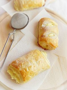 Romanian Food, Strudel, Cata, Sweets Recipes, Cheesecake Recipes, Food Art, Biscuits, Bacon, Food And Drink