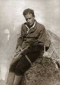 """""""Osa, osa sempre. E sarai simile ad un dio""""  Tra gli anni '30 e '40 del '900, nel panorama alpinistico internazionale emerge una figura su ..."""
