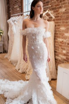 This sultry new collection is turning heads with hip-hugging silhouettes and illusion backs. Huge Wedding Dresses, Western Wedding Dresses, Luxury Wedding Dress, Classic Wedding Dress, Bridal Dresses, Wedding Gowns, Lace Wedding, Divas, Wedding Fabric