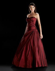 Amazing sleeveless ball gown floor-length home coming dress= Special Dresses, Mothers Dresses, Cute Dresses, Long Dresses, Formal Dresses, Homecoming Dresses, Bridesmaid Dresses, Ballroom Dress, Ballroom Dancing