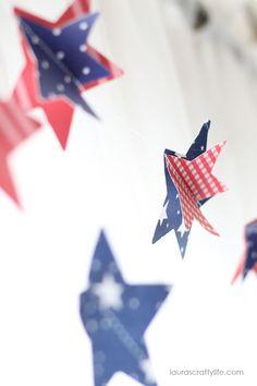 DIY Patriotic Paper Garland | TodaysCreativeBlog.net