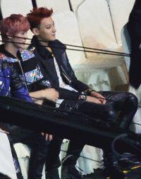 Huang Zitao Musician   No, don't cross your legs