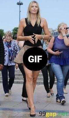 Entertainment Discover Badly Timed Photos Of Celebrities That Are Too Embarrassing To Handle Fashion Fail, Funny Fashion, Fashion Fashion, Funny Pictures Of Women, Funny Photos, Epic Fail Photos, Sports Pictures, Embarrassing Moments, Funny Moments