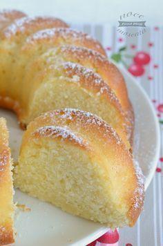 Cherry and pistachio mini-cakes - HQ Recipes Italian Desserts, Mini Desserts, No Bake Desserts, Italian Recipes, Delicious Desserts, Sweet Recipes, Cake Recipes, Dessert Recipes, Mini Cakes