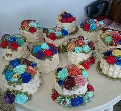 E as floridas cestinhas do #cursodechantininho módulo I As alunas empolgam e fazem um tantão de flores =)
