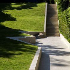 TROP-Pause-Court+Lawn-Hill-Landscape Architecture Works | Landezine Landscape Architecture Works |