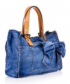 Nice looking denim bag -- Boni Azul -Jeans Diy Jeans, Denim Purse, Denim Bags From Jeans, Denim Ideas, Denim Crafts, Recycled Denim, Handmade Bags, Purses And Bags, Upcycle