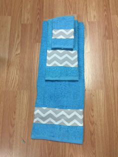 Set of 3 Bathroom towels Turquoise Gray by DesignsnThread11