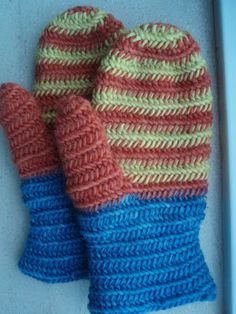 Reconstruction of the Eura mittens, c. 1000 CE.