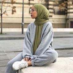 Hey girls jai oublier de vous donner le code promo jai chez Barcha a Tese Tesettür Mont Modelleri 2020 Hijab Casual, Hijab Chic, Ootd Hijab, Modern Hijab Fashion, Street Hijab Fashion, Hijab Fashion Inspiration, Muslim Fashion, Modest Fashion, Korean Fashion