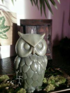 Great Horned Owl Candle www.lynnfranco.etsy.com #gift #handcrafted #candle #owlcandle #greathornedowl #greenowl #owlalwaysloveyou #homedecor