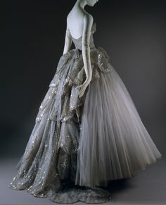"DIOR ""Venus"" ball gown 1949"