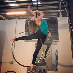 Finagling a pretty #Lyra pose with @sarah_lane_bender ❤️ #practice #workhard