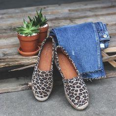 Sun, Sea and Sangria! It's finally time for espadrilles ☀ Shop your favorite espadrilles with leopard print now! ⚡ #viavaishoes #viavai #espadrilles #leopardespadrilles #espadrillas #leopardprint #leopardshoes