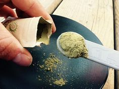 Maeng Da Kratom is extremely popular amongst users of Kratom. However, its effectiveness can only be realized if the correct Maeng Da Kratom dosage is taken.