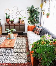 Dwelling Style Floor Strategy - How To Purchase A Home Layout Flooring Approach? Bohemian Life Boho Home Design Decor Nontraditional Living Elements Of Bohemia Room Design, Interior Design, House Interior, Living Room Decor, Decor Design, Home, Home Design Decor, Bohemian Living Room, Living Room Designs