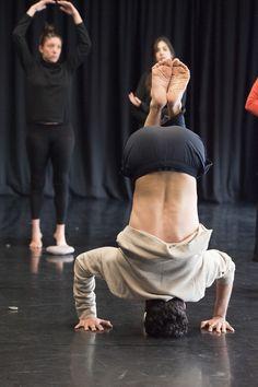 Recursos actorales de las artes escénicas japonesas Teatro Noh, Kabuki y Danza Butoh: http://auladelasartes.uc3m.es/programa.php?evento=2477