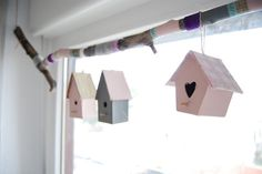 Decoración con casitas de pájaro para la ventana.  DIY Little birds houses in the window. Pefect for  kid´s room