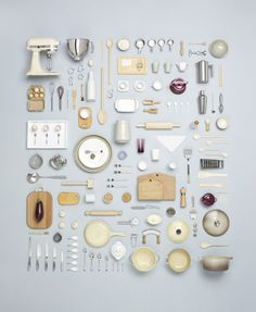 miniature kitchen I have become a BIG fan of Canadian Photographer, Todd McLellan, since I discovered him, particularly his deconstruction pieces such as the rocking horse shown belo Miniature Kitchen, Miniature Crafts, Miniature Food, Accessoires Mini, Things Organized Neatly, Miniature Furniture, Modern Dollhouse Furniture, Miniture Things, Food Design