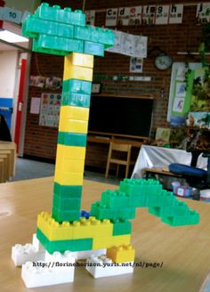 Lego Duplo, T Rex, Net, Projects, Dinosaurs, Pink, Dinosaur Activities, Crowns, Lego Duplo Table