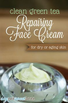 Green Tea Repairing Face Cream healthy, clean and nourishing - great for dry or aging skin! Homemade Skin Care, Diy Skin Care, Homemade Beauty, Homemade Face Moisturizer, Homemade Facials, Natural Moisturizer For Face, Homemade Gifts, Organic Skin Care, Natural Skin Care