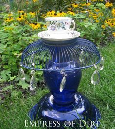 12+Creative+and+Frugal+Garden+Art+Projects+Under+$20+ +Teacup+Totem