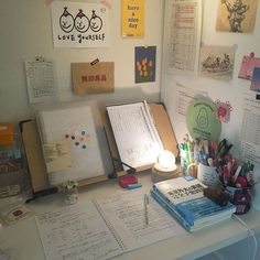Study Room Decor, Cute Room Decor, Study Desk Organization, Colegio Ideas, Study Table Designs, Desk Inspiration, Desk Inspo, Study Corner, Study Space