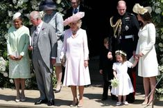 Kate Middleton has arrived at the royal wedding. See what she wore to support Meghan Markle and Prince Harry. Princesa Charlotte, Princesa Diana, Prince Harry Wedding, Harry And Meghan Wedding, Royal Wedding Outfits, Royal Weddings, Prince Georges, Diana Spencer, Duchess Of Cornwall