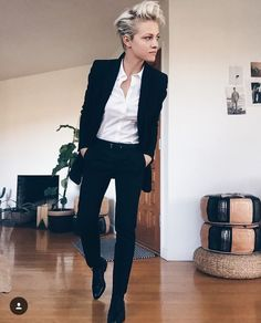 Brittenelle Fredericks tomboy style outfits looks 25 Tomboy Fashion, Androgynous Fashion Women, Queer Fashion, Fashion Outfits, Womens Fashion, Androgynous Style, Androgyny, Butch Fashion, Androgynous Clothing