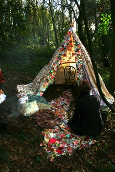 bohofien:  tiny teepee for one; adorned