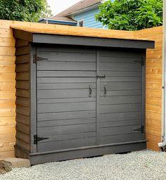 Bluestone Backyard: Build Yourself a Little Storage Shed! Backyard Storage Sheds, Diy Storage Shed, Patio Storage, Backyard Sheds, Outdoor Sheds, Backyard Patio, Garden Sheds, Shed Patio Ideas, Shed Exterior Ideas