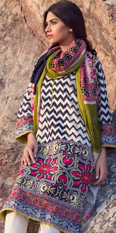 Sana Safinaz black, white and mehendi green winter in woven,with designing printed pashmina shawl, having a embroidery winter in woven fabric with printed multi, nakshi work