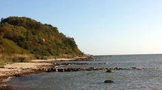 Malreise auf Rügens Halbinsel Mönchgut | Am Strand von Thiessow mit Blick auf den Lostenberg (c) Frank Koebsch #wirsindinsel! #rügen