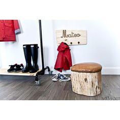 En Abril aguas mil!  Pero al mal tiempo buena cara y más si ya es fin de semana! A disfrutarlo!  #sturdy#clothesrack#batllopieces#pipefurniture#woodfurniture#uniquepieces#design#furnituredesign#handmade#batlloconcept#barcelona#decor#home by batlloconcept