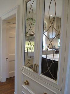 #Decorau0027s beautiful Kensington Art Glass Doors add a bit of character to this cabinet with its oval and diau2026 | Kitchen Designs...I can do that! & Decorau0027s beautiful Kensington Art Glass Doors add a bit of character ...
